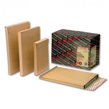 New Guardian Envelopes Heavyweight Peel and Seal with Window Gusset 25mm 130gsm Manilla C4 (Pack 100)
